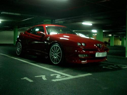 GTV-Paso-night-garage.thumb.jpg.9ab0bf6bb8922962d9b4da747684158a.md.jpg