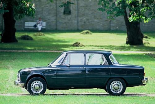 Alfa-Romeo-Giulia-1962.md.jpg