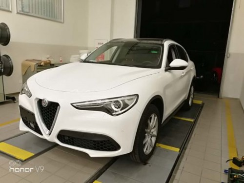 Alfa-Romeos-Car-Body-Parts-Electric-Side-Step.md.jpg