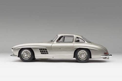 M5349-25_-_Mercedes_Benz_300SL_Gullwing_1.8_Scale_-_Left_Side_4000x2677_crop_center.md.jpg