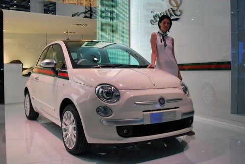 Chica-moderna-igual-Fiat-500C-by-Gucci..1-e1313025886870.md.jpg