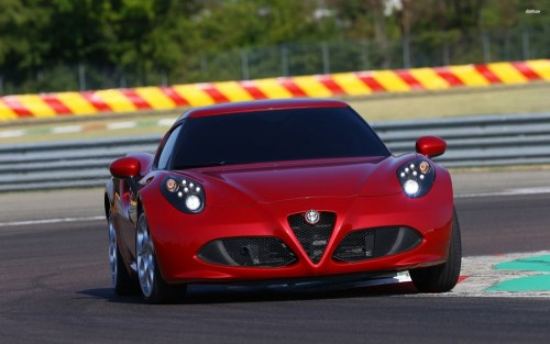 50828-front-view-of-a-red-2014-alfa-romeo-4c-2560x1600-car-wallpaper.md.jpg