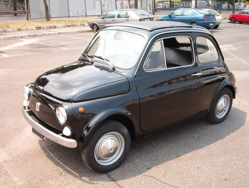 1965_black_Fiat_500.md.jpg