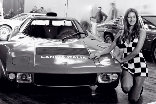 Genfer-Salon-1972_-Prasentation-Lancia-Stratos-Bertone_.md.jpg