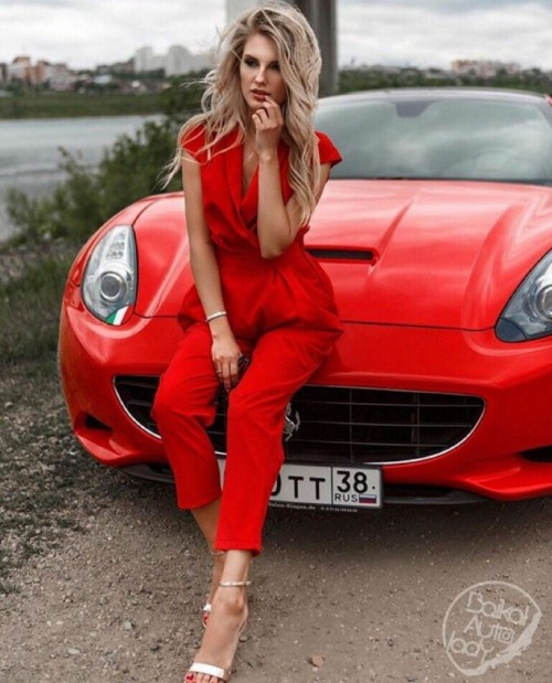 Cars--Girls---Page-_-1226---Photos---Voitures-de-sport---FORUM-Collections.md.jpg